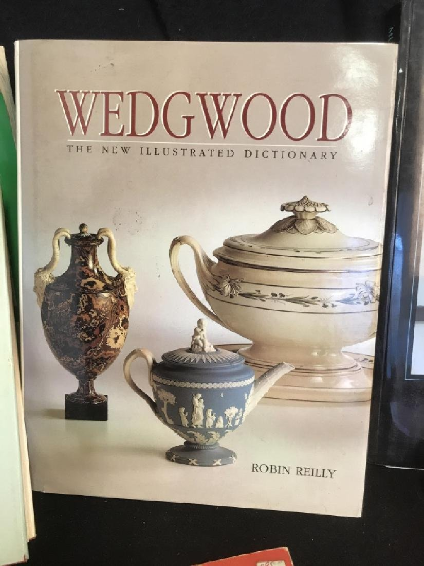 Lot 13 Antiques Carpets Wedgwood Reference Books - 5