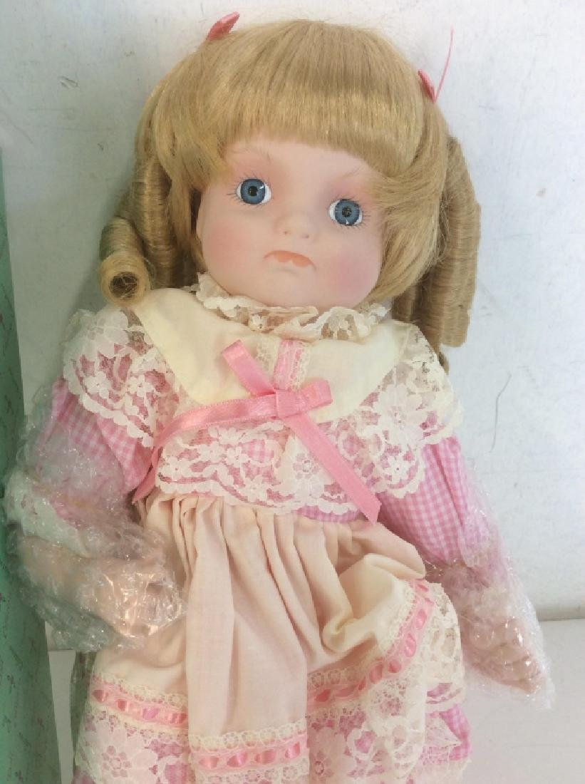 Vintage DOLL COLLECTORS Porcelain 'Mary' Doll