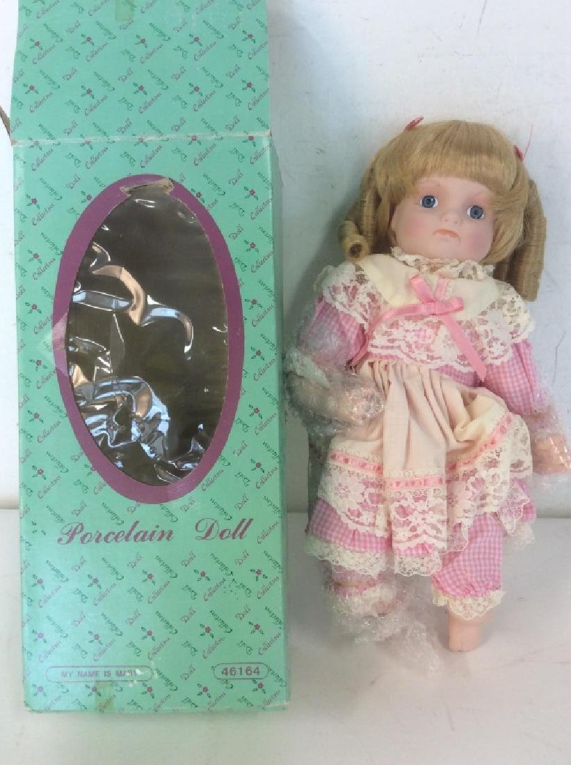 Vintage DOLL COLLECTORS Porcelain 'Mary' Doll - 2