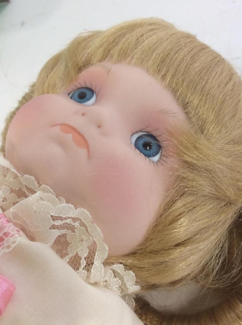 Vintage DOLL COLLECTORS Porcelain 'Mary' Doll - 7
