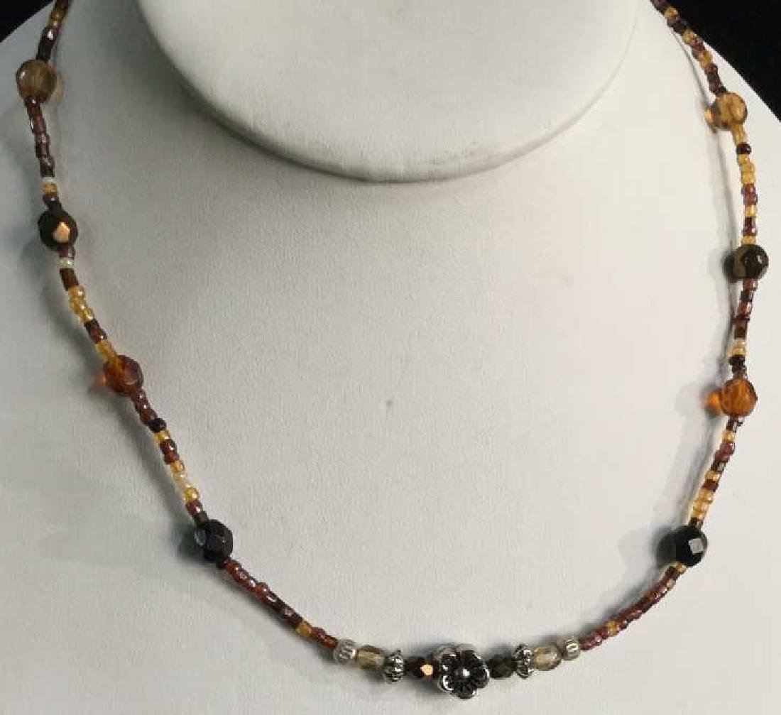 Vintage Beaded Necklace W Flower Bead Detail - 2