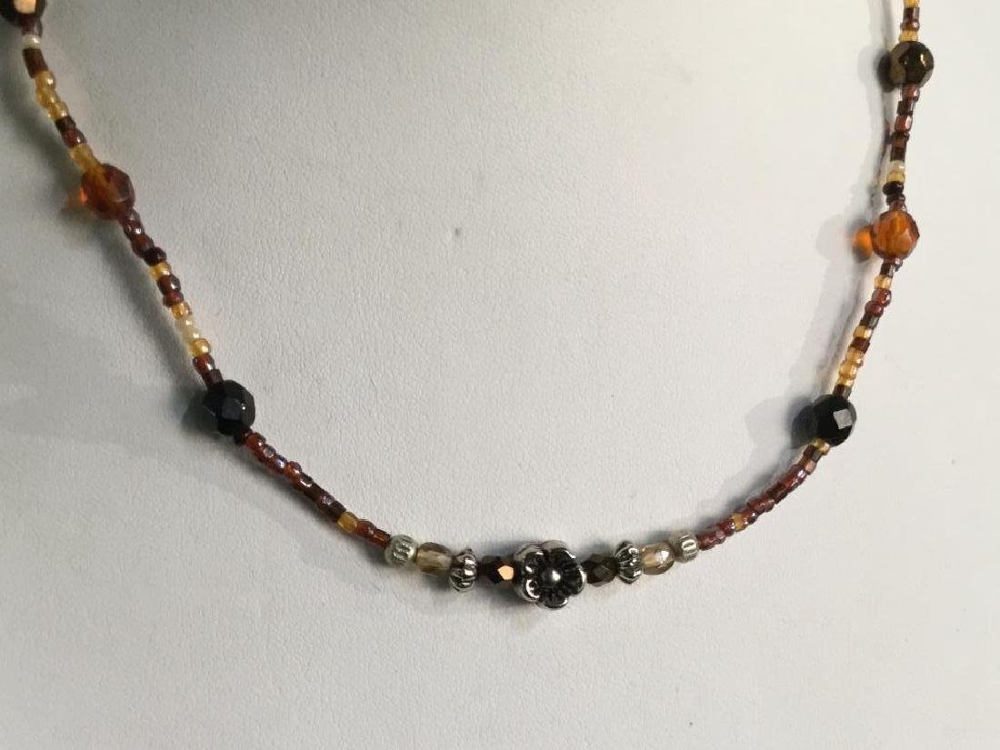 Vintage Beaded Necklace W Flower Bead Detail - 3