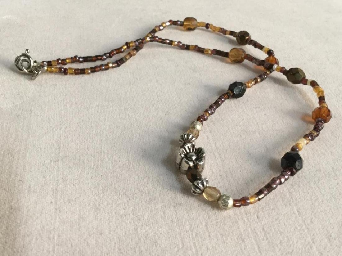 Vintage Beaded Necklace W Flower Bead Detail - 7