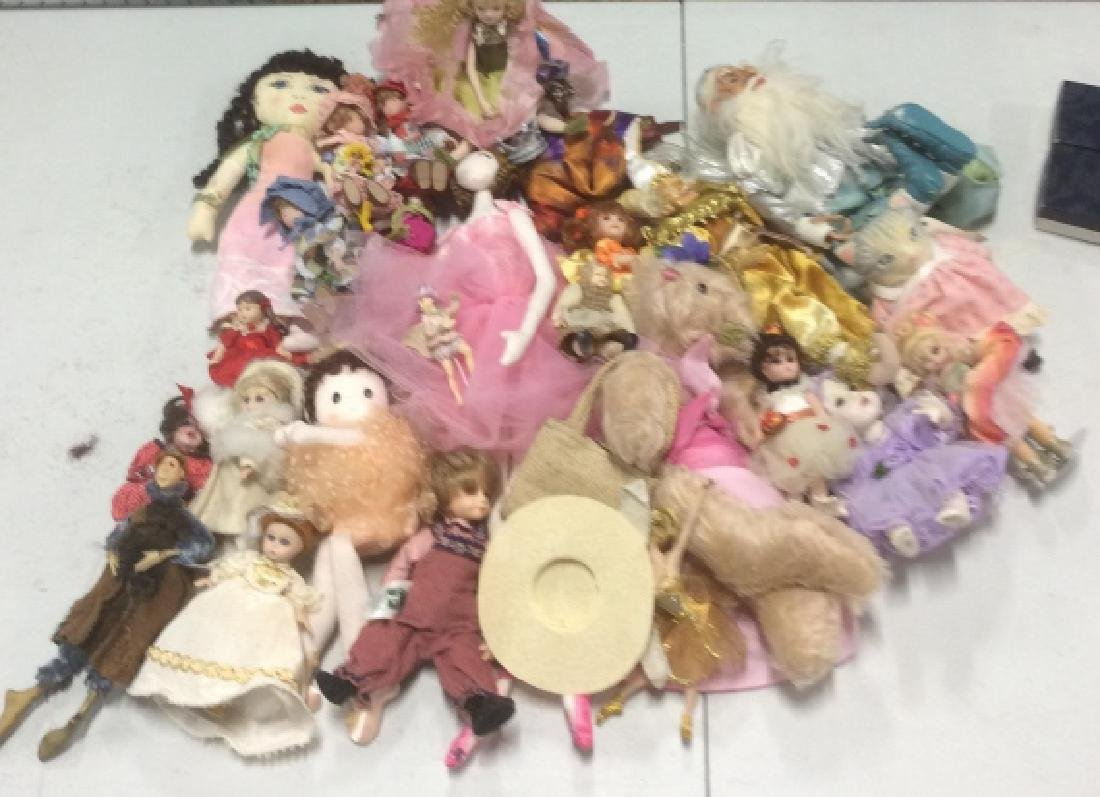 Group Lot Collectible Dolls - 3