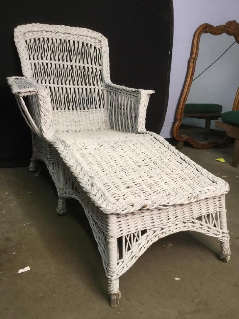 Vintage White Wicker Lounge Chair - 2