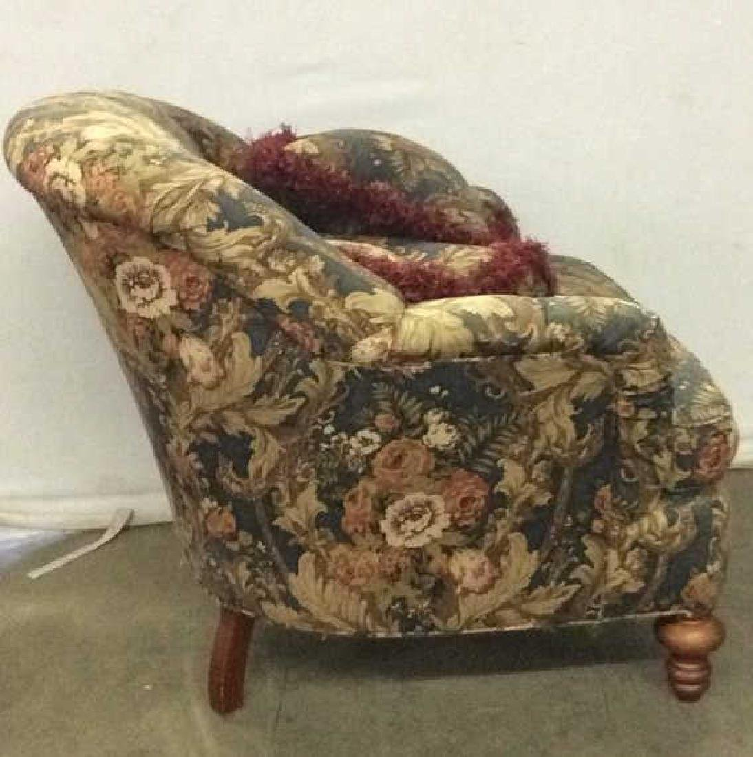 Floral Detailed Arm Chair W Pillow - 3