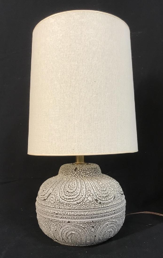 Mid Century Ceramic Lamp w Shade