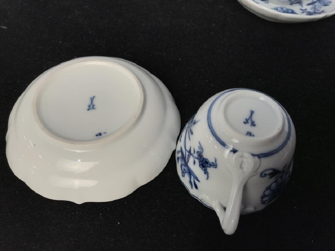 Set of 4 Blue and White Demi Tasse Cups & Saucers - 5