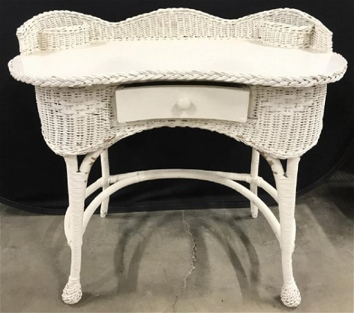 Superb Lot 2 Vintage Cream Toned Wicker Desk Chair Gmtry Best Dining Table And Chair Ideas Images Gmtryco
