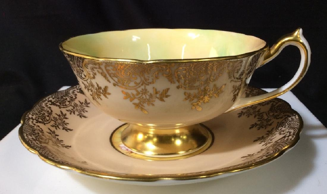 H.M. The Queen & H.M. The Queen Mary Tea Cup