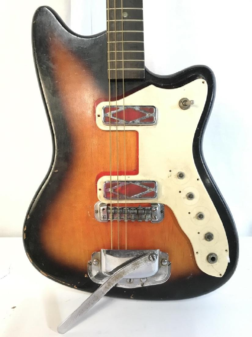 SILVERTONE Electric Guitar W Case