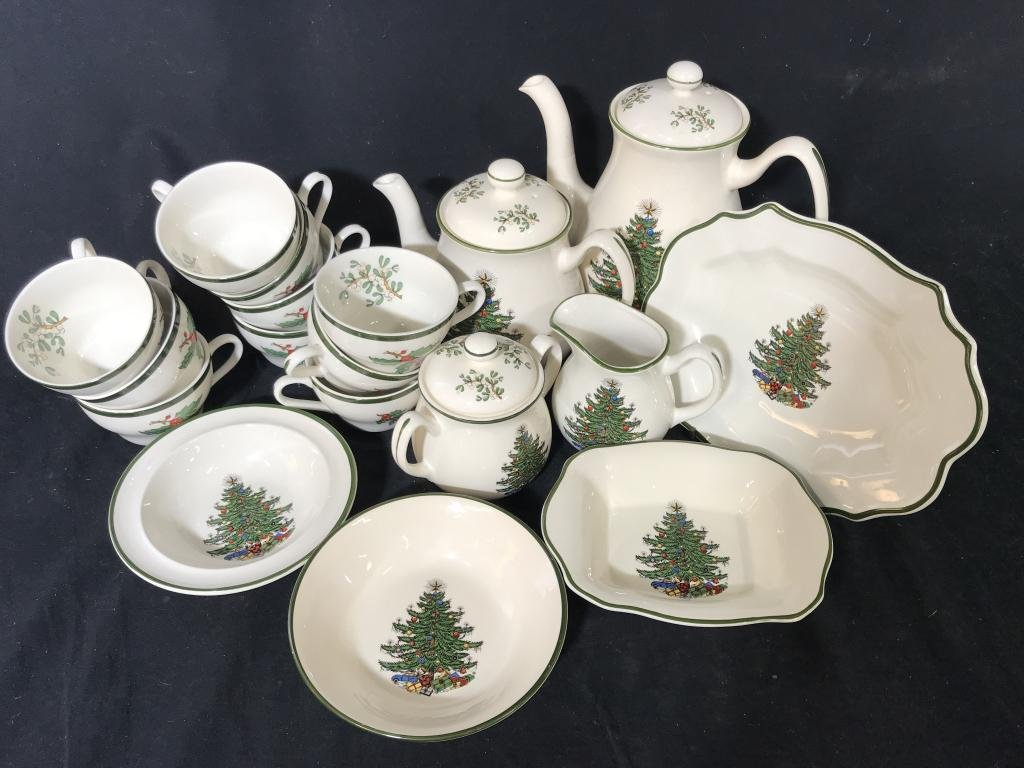 18pc CUTHBERTSON Christmas Tree Partial Service