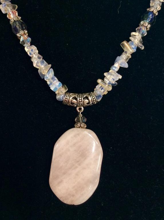 Beaded Necklace W Rose Quartz Pendant