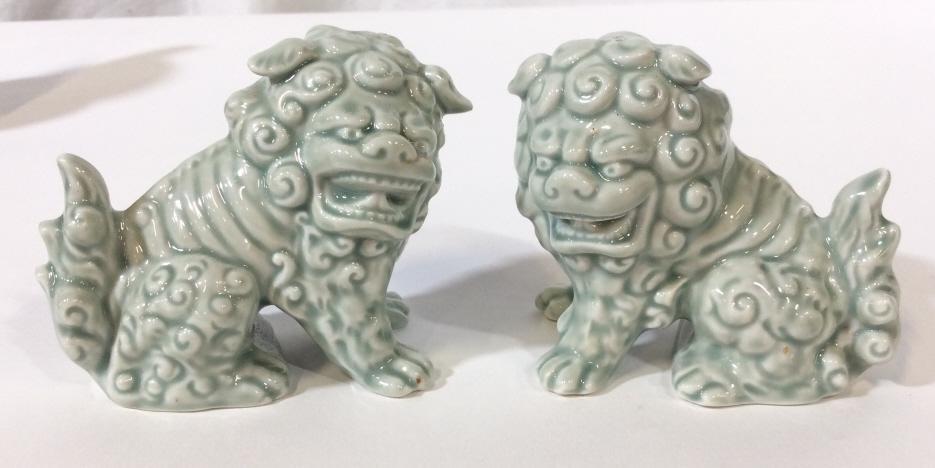 Pair Glazed Ceramic Foo Dog Salt & Pepper Shakers