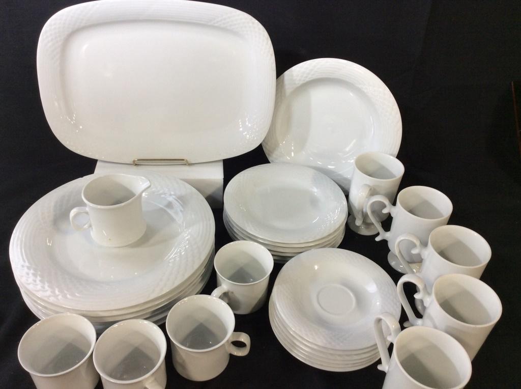 Lynn's Fine China Plate Set, 30 Pcs.