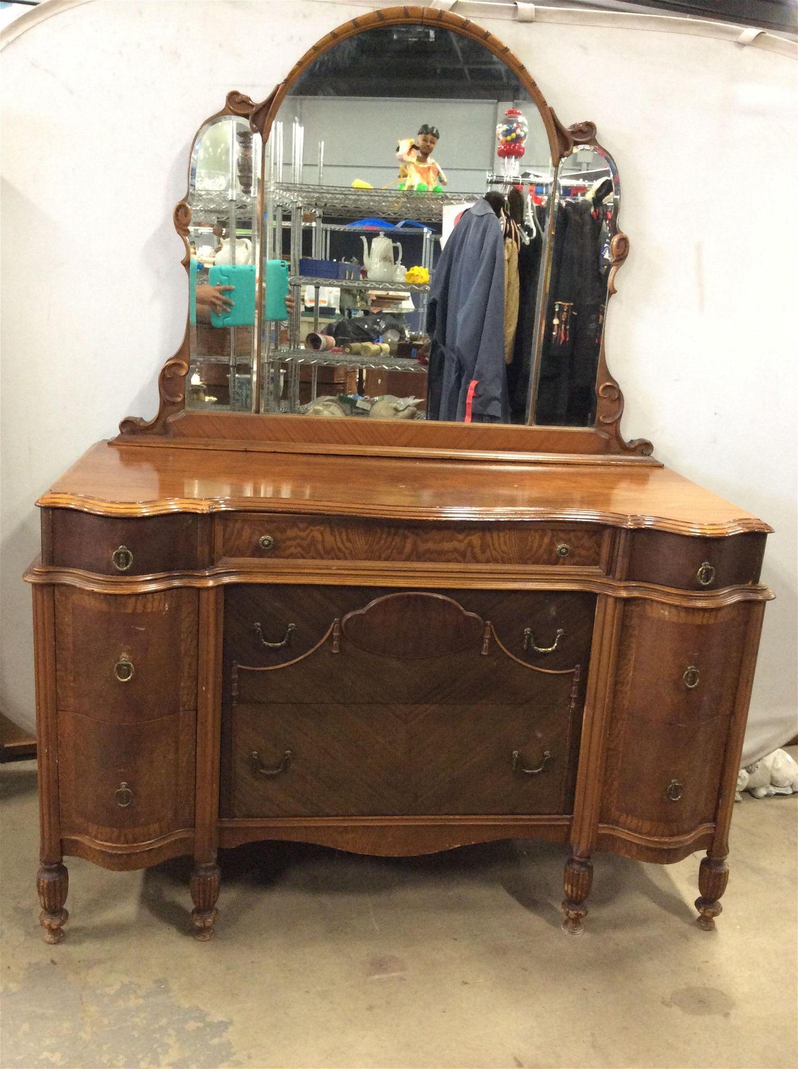 Antique Gettysburg Furniture Vanity Dresser Mar 18 2020 The Benefit Shop Foundation Inc In Ny