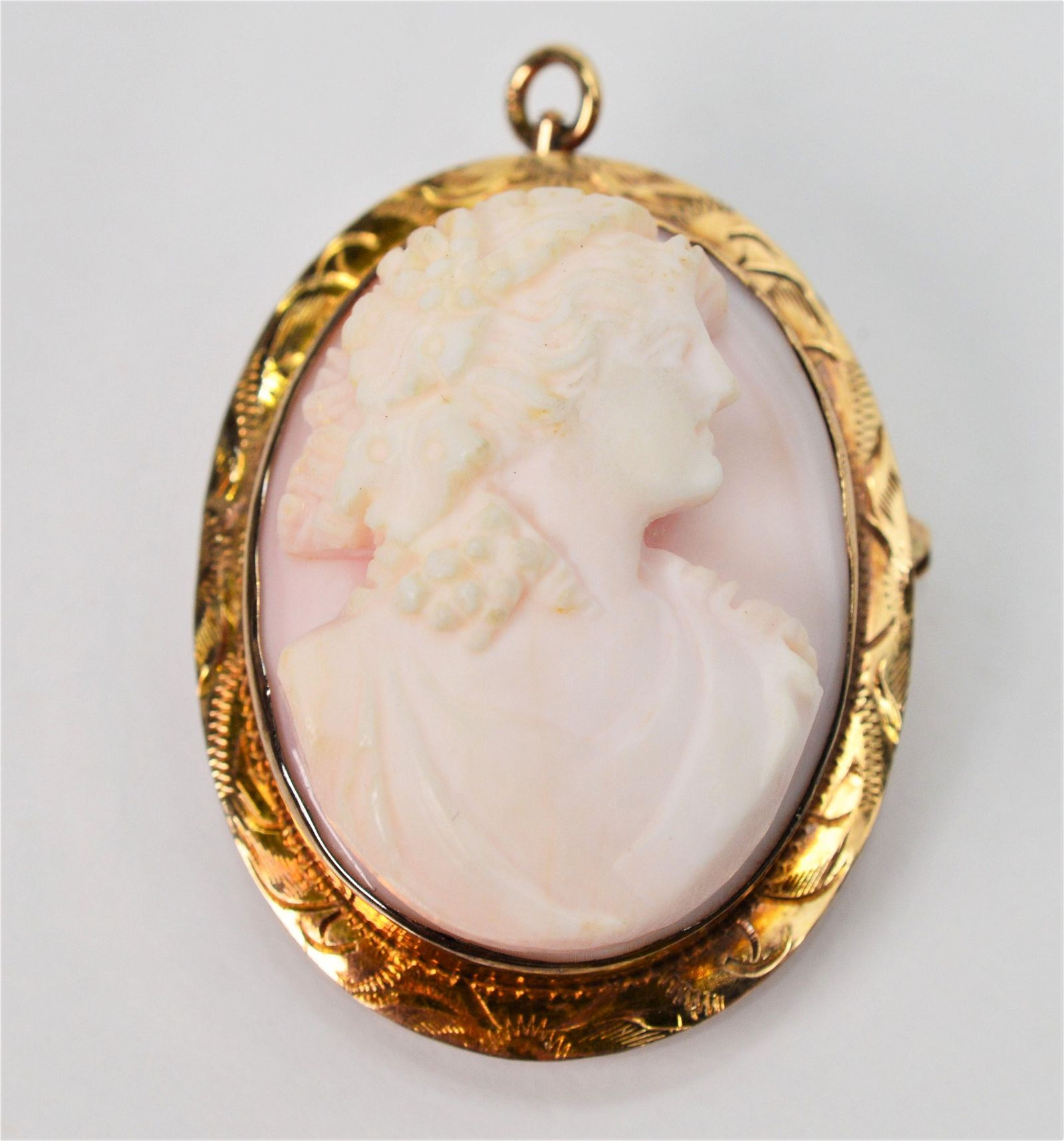 Antique Soap Stone Cameo 10 K Yellow Gold Brooch