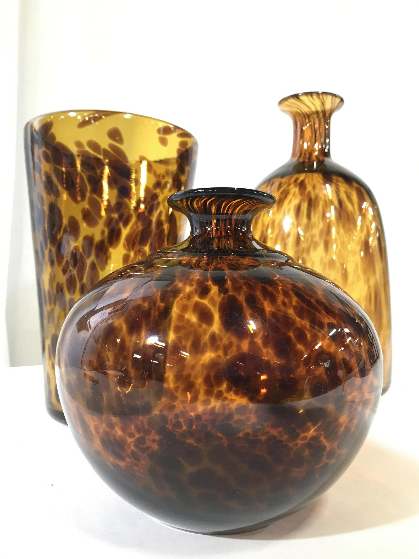 Lot 3 TWOS COMPANY Matching Art Glass Vases