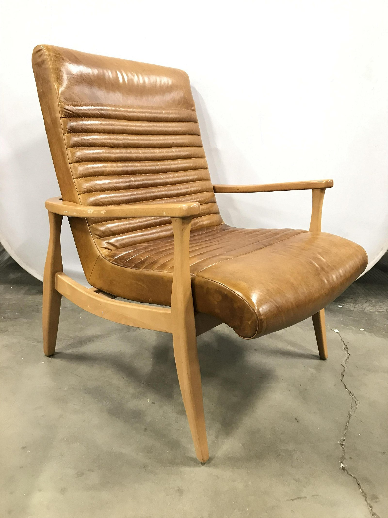 SHERRILL FURNITURE CO Leather MCM Armchair