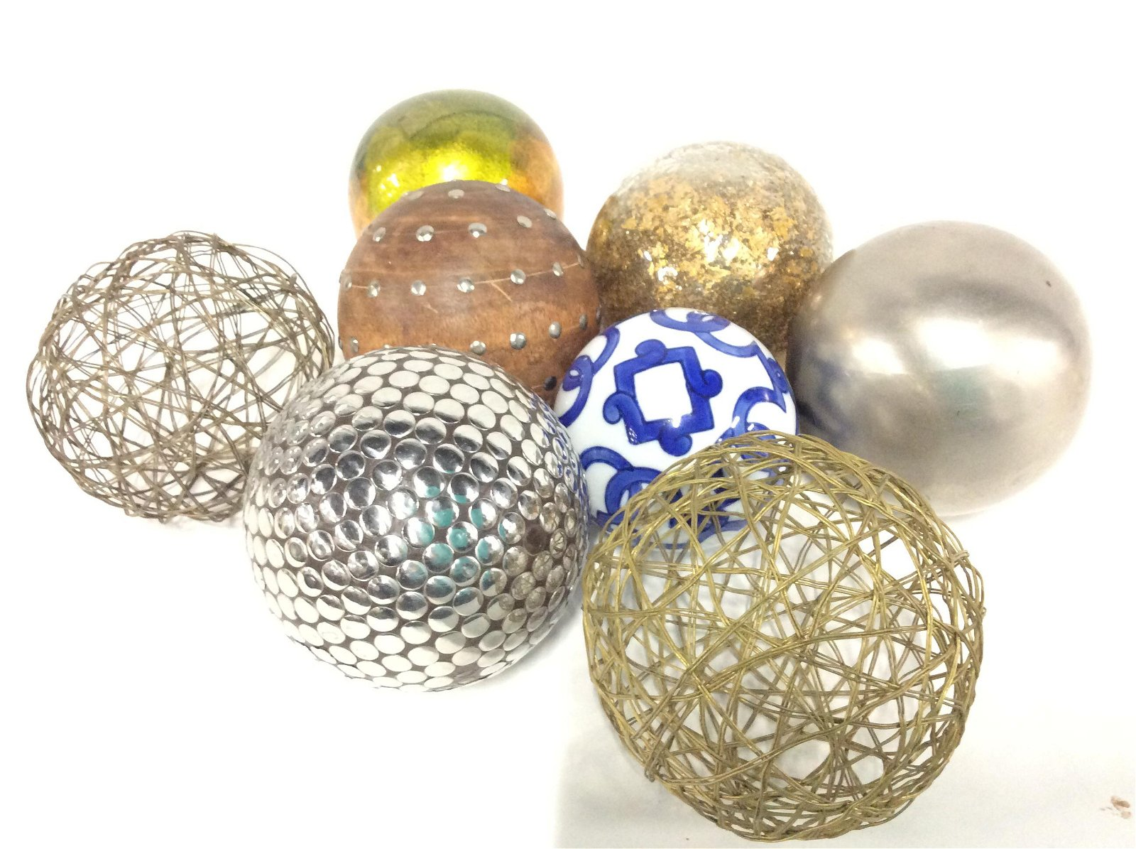 Lot 8 Decor Table Spheres, Mixed Materials