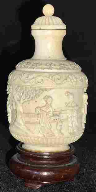 VNTG ASIAN CARVED BONE SNUFF BOTTLE, W Stand
