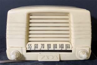 Vntg 1949 FADA RADIO Model 855, Collectible