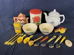 Lot 18 Vintage Kitchen Accessories