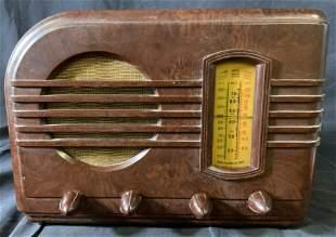 Vintage 1940 GENERAL ELECTRIC Bakelite Radio
