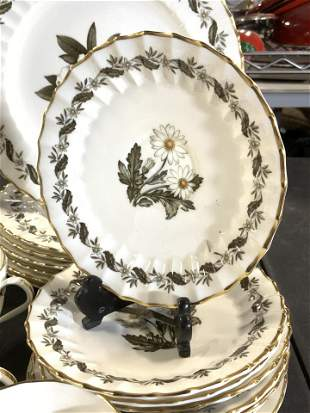 ROYAL WORCESTER ' Engadine' Chinaware 43, England