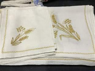 Vintage Linen & Embroidered Tablecloth Set 8
