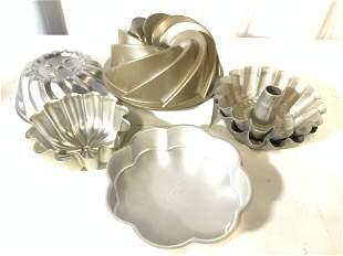 Lot 6 Aluminum Bundt Cake Pans/ Molds