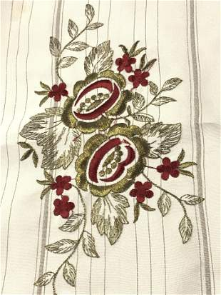 5 Embroidered Sheer Fabric Napkins & Table Runners