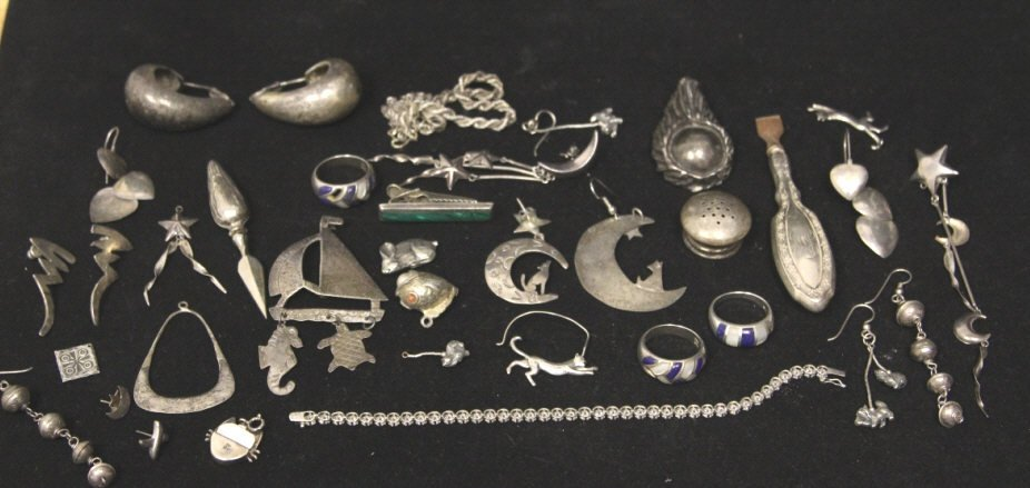 Assorted Antique Sterling Jewelry & Bits