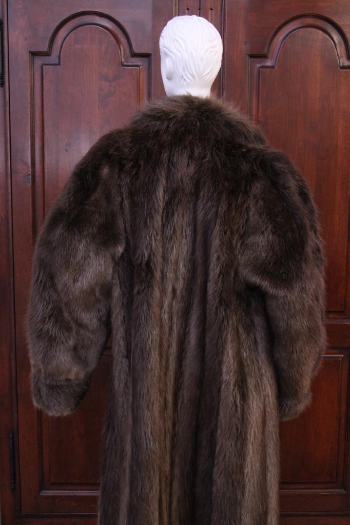 Vintage Ladies Beaver Fur Coat - 3