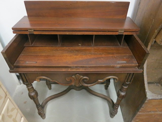 Antique Mahogany Turn Of The Century Spinet Desk