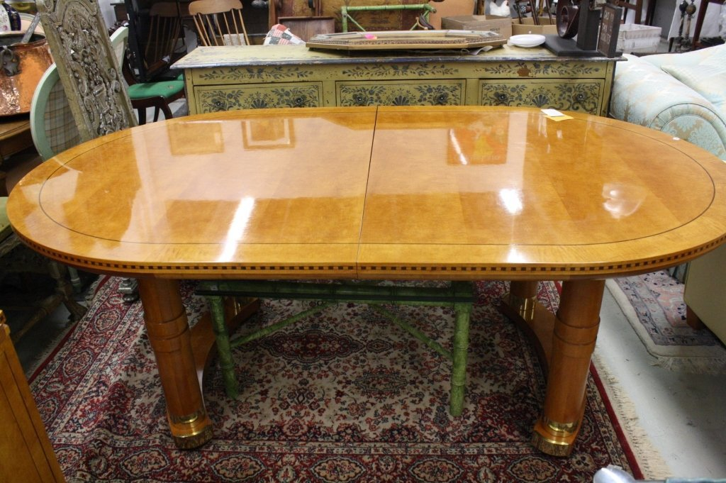 HICKORY WHITE GENESIS Table with two  Leaves