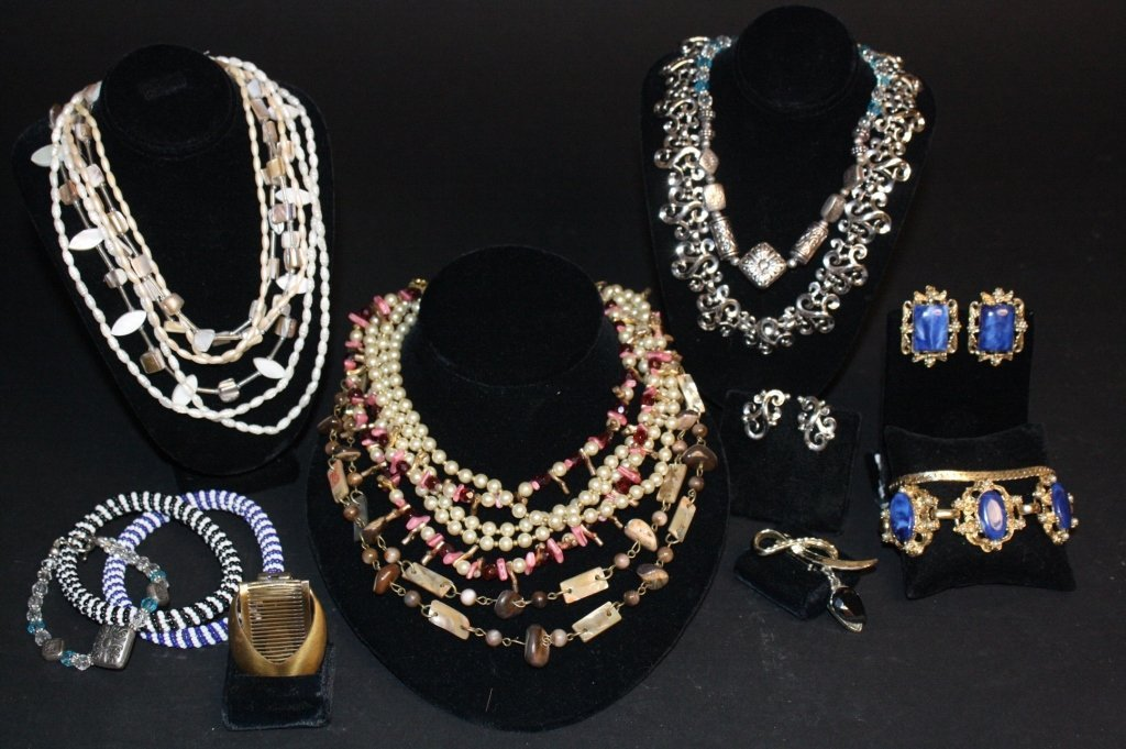 Vintage Jewelry Lot 18 Pieces