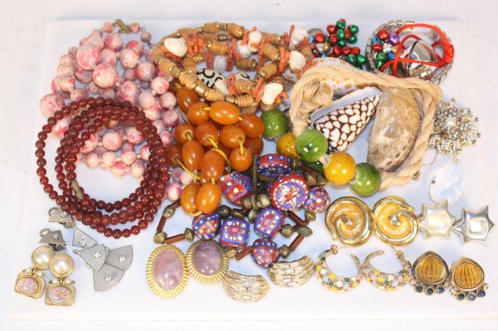 Group Lot Costume Jewelry 20 Plus Piece Lot