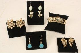 3 Earrings 1 Bracelet