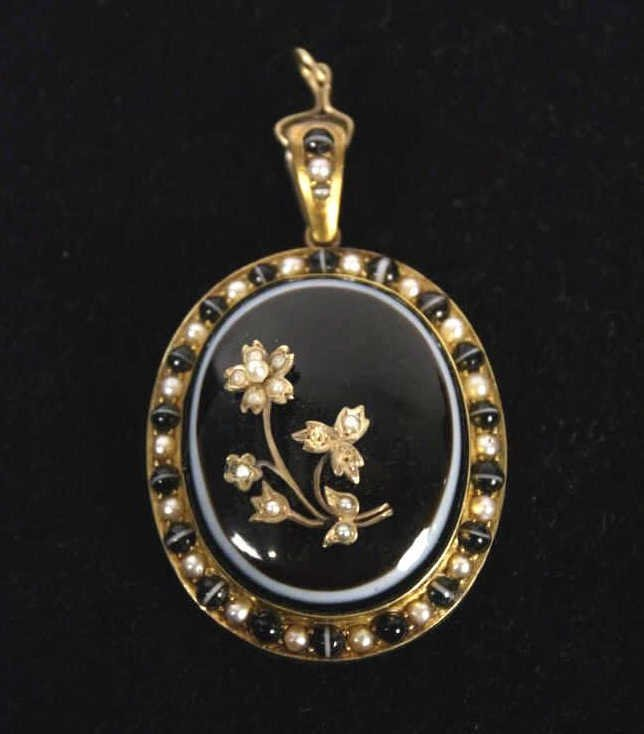 Victorian Gold Banded Scottish Agate Pendant