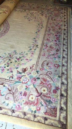 Large Ivory Ground Wool Area Rug Shades Of Rose In