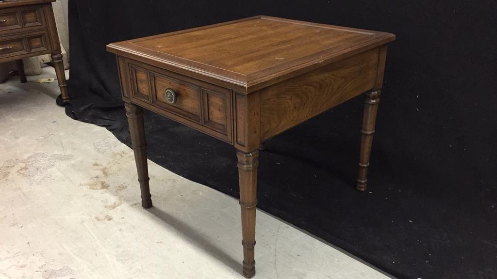 HENREDON Walnut End Table - 3