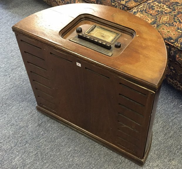 STEWART WARNER Antique Radio Semi Circular Cabinet - 2