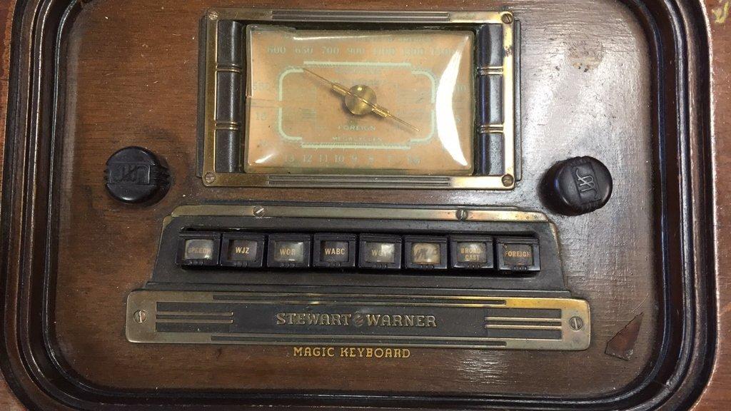 STEWART WARNER Antique Radio Semi Circular Cabinet - 3