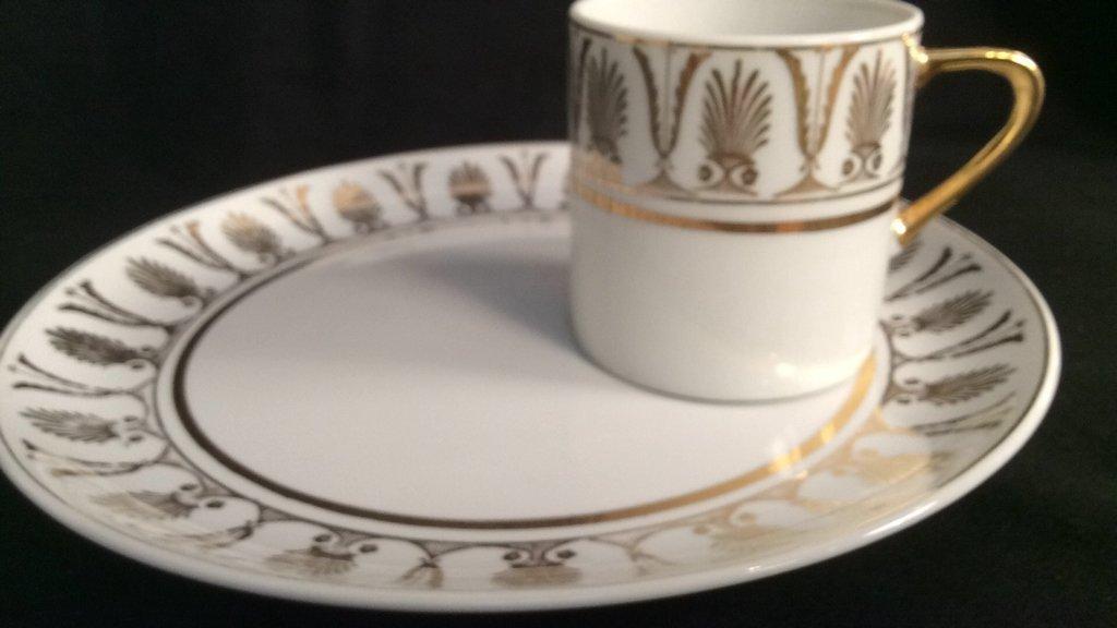 ARNARI 5TH Ave Hand Painted Porcelain - 7