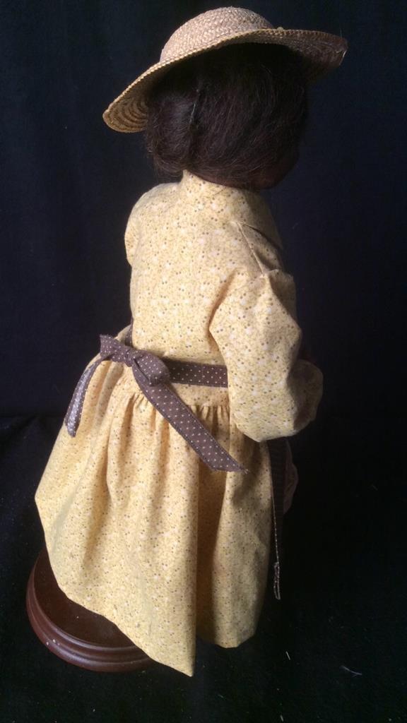 Set of 3 Villager Dolls Jac - 10