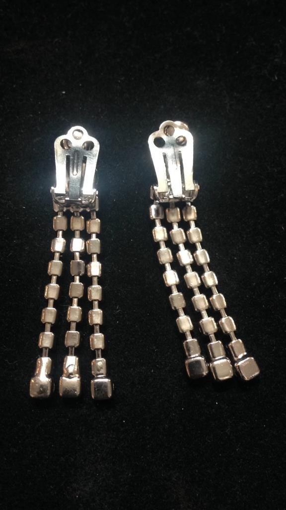 Vintage Glamour Clip Earrings - 4