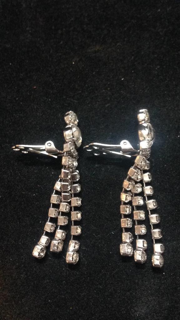 Vintage Glamour Clip Earrings - 5