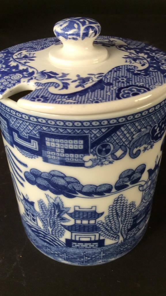 Hand painted group Asian Porcelain - 7