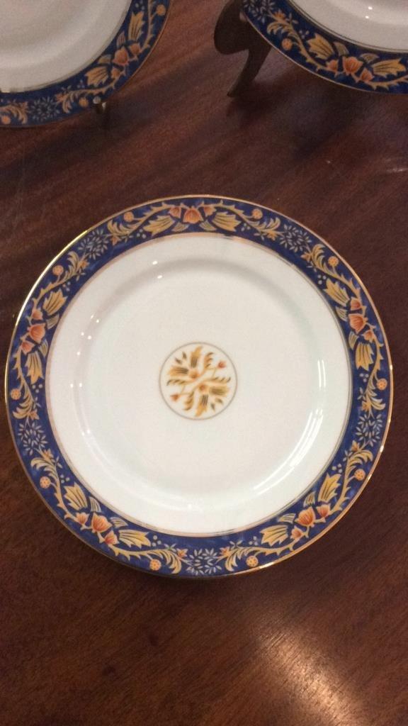 LIMOGES Set Of 5 Plates - 3